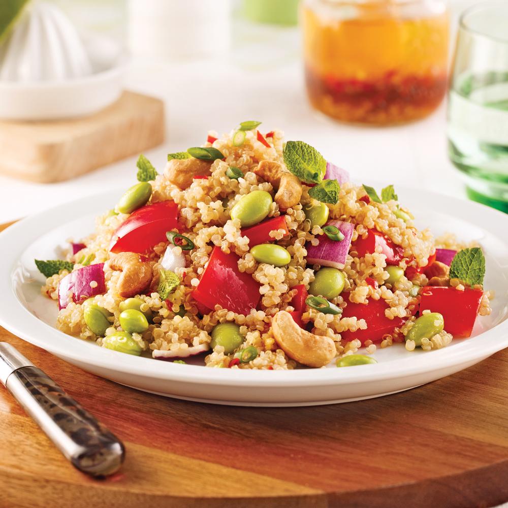 Salade de quinoa, légumes et noix de cajou