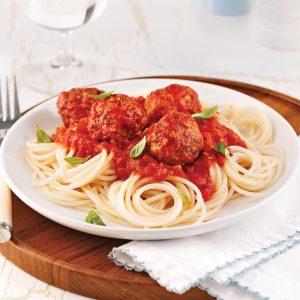Spaghettis de quinoa, sauce aux boulettes de dindon