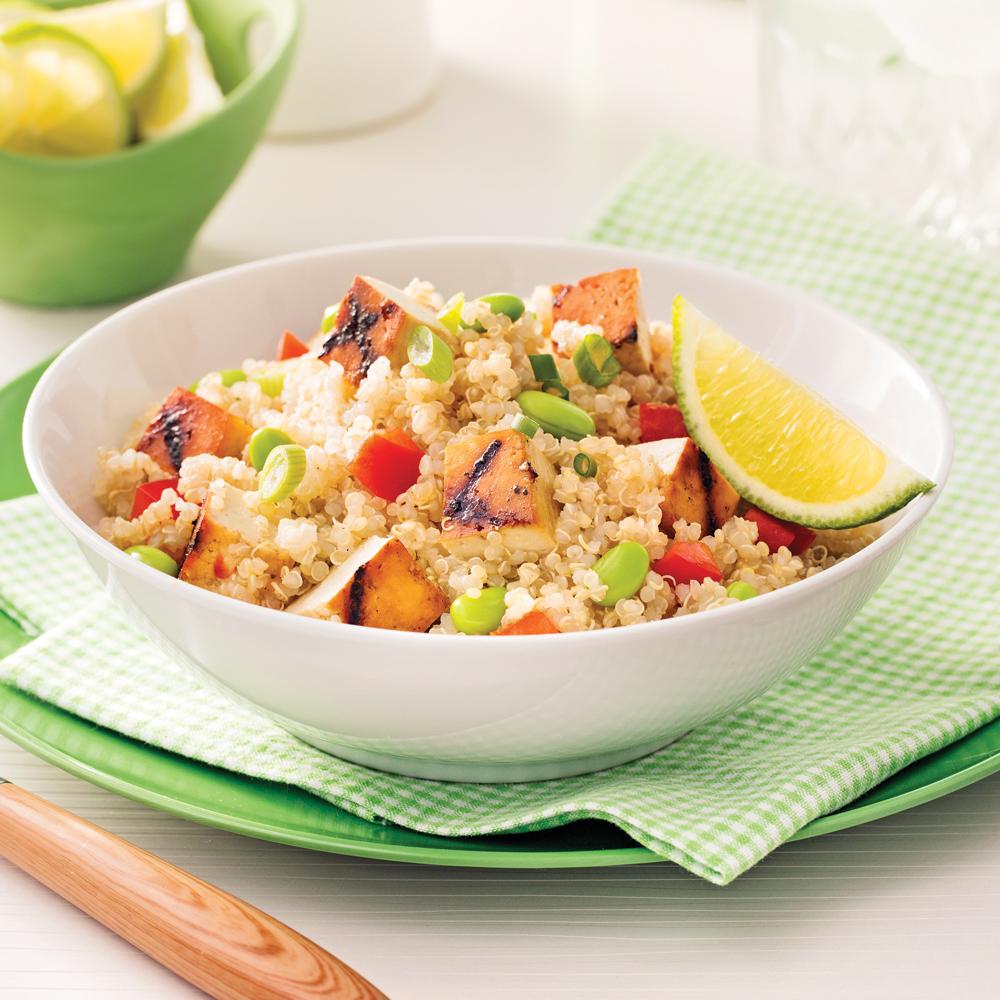 Salade de quinoa et tofu grillé à l'érable