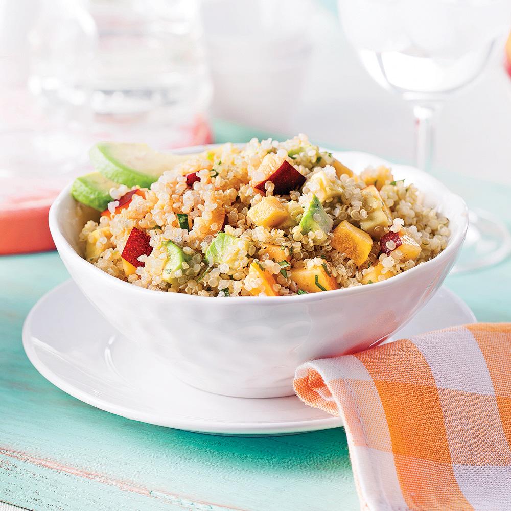 Salade de quinoa, nectarine et avocat