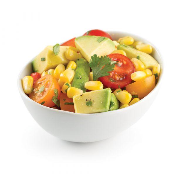 Salade de maïs, tomates, avocat et poivron