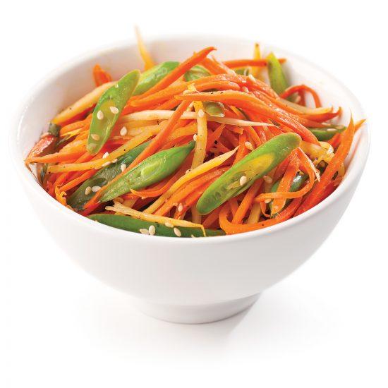 Julienne de carottes, panais et haricots verts