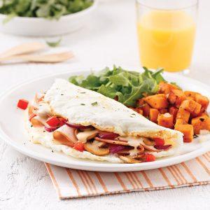 Omelette forestière aux blancs d'œufs et dinde fumée