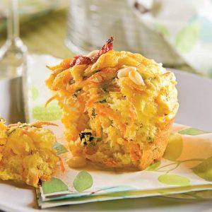 Muffins aux carottes, chèvre et noix de pin