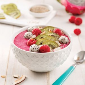 Smoothie bowl à la betterave et salsa de fruits