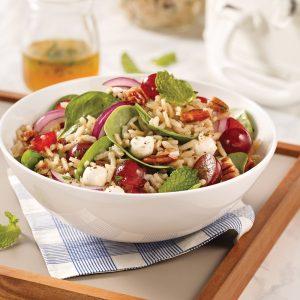 Salade de riz brun, pacanes et raisins