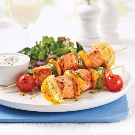Brochettes de saumon à la grecque