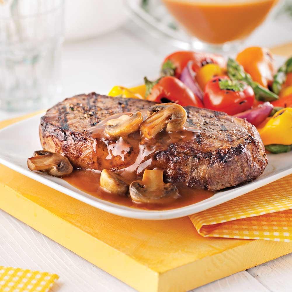 Faux-filets de boeuf, sauce aux champignons et whisky