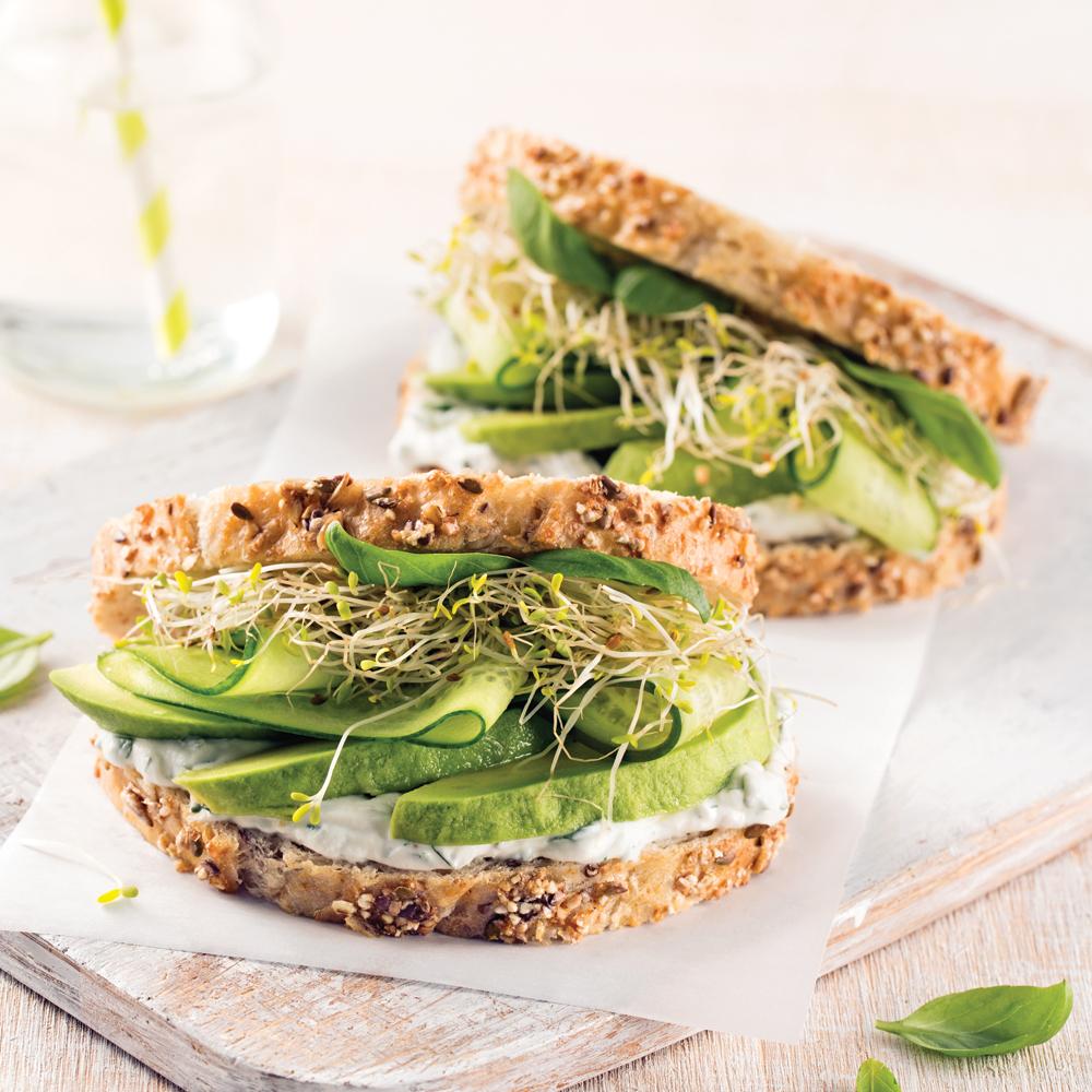 Sandwich avocats-concombres