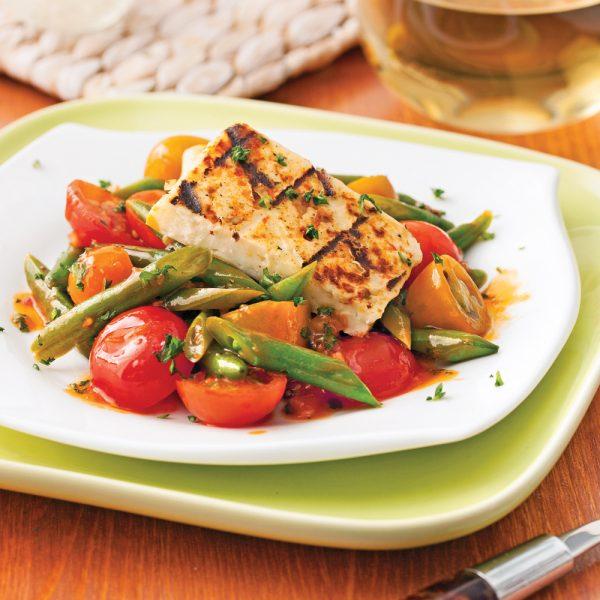Salade tiède au halloumi grillé