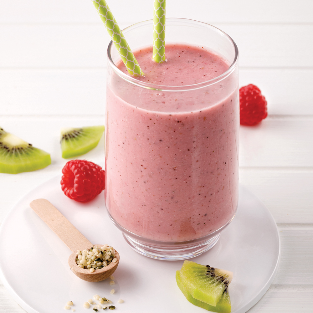 Smoothie aux fruits rouges et kiwis
