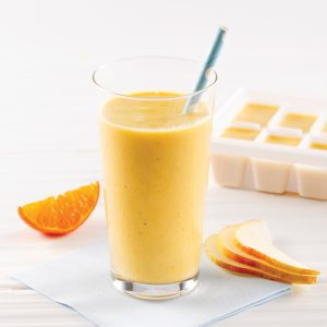 Smoothie orange, mangue et poire