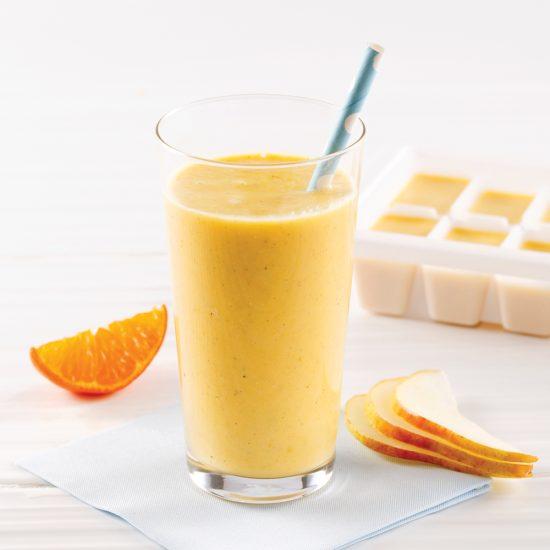 Smoothie orange, mangue et poire