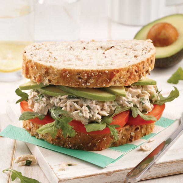 Sandwich au thon et avocat