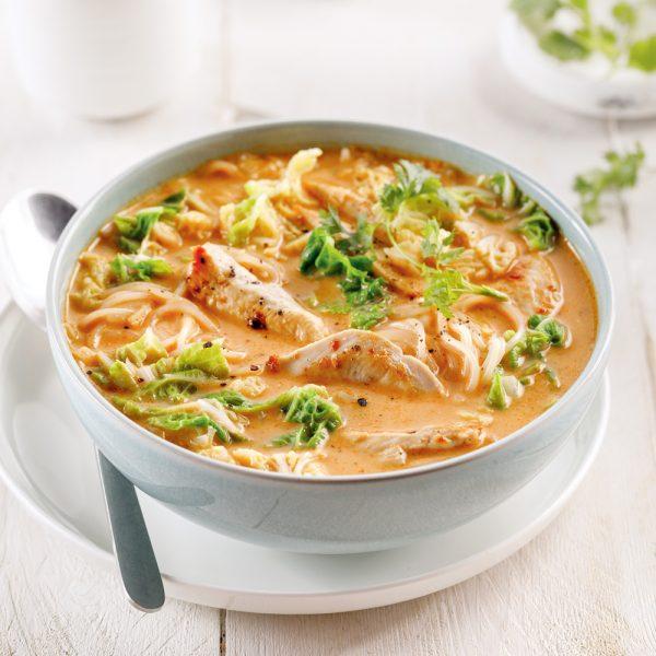 Soupe thaïe au poulet et cari rouge