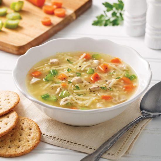 Soupe poulet et nouilles à la mijoteuse