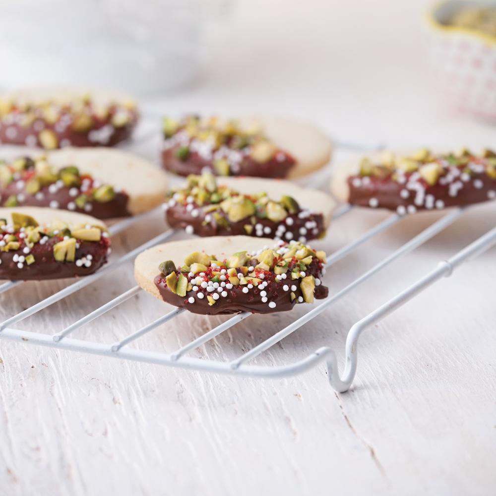 Biscuits sablés avec glaçage choco-noix