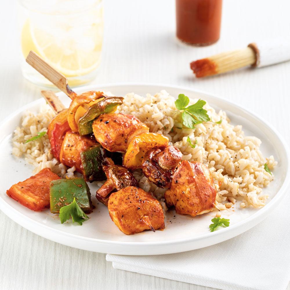 Brochettes de poulet au four, sauce barbecue piquante