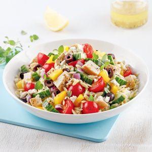 Salade d'orzo et de poulet à la grecque