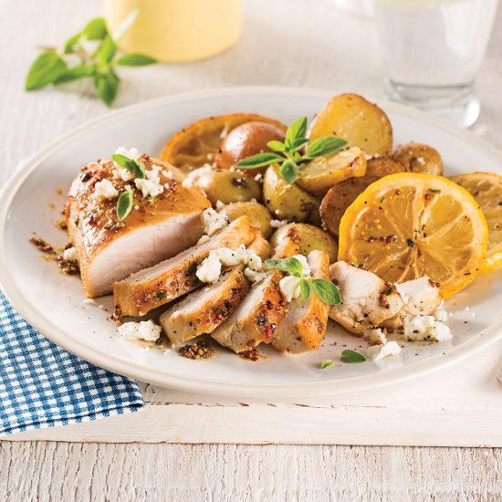 Papillote de poulet, citron, feta et pommes de terre grelots