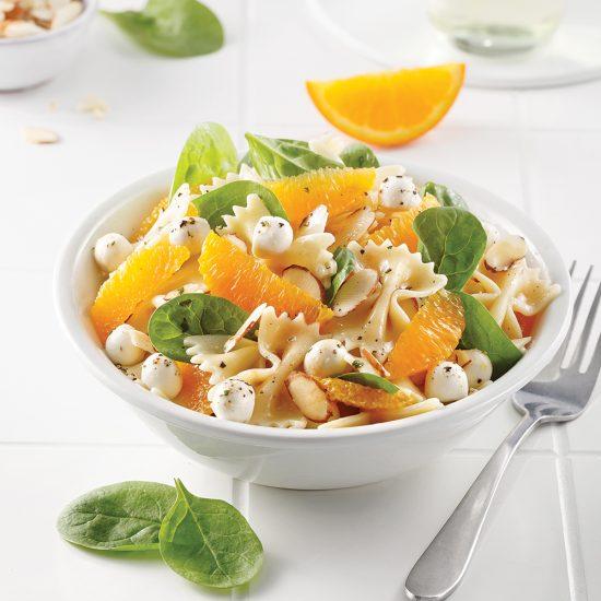 Salade de farfalles, épinards et oranges