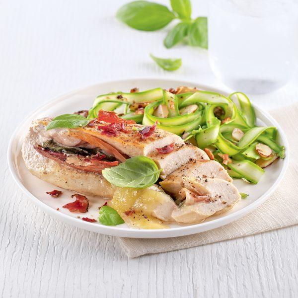 Poitrines de poulet au cheddar et prosciutto, sauce aigre-douce