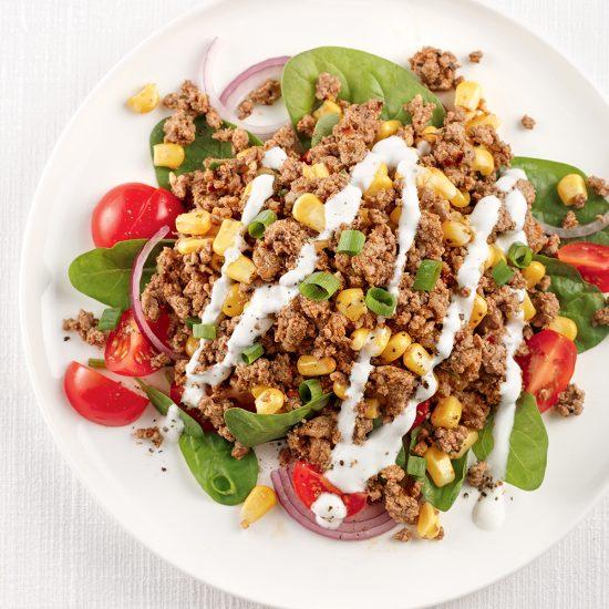 Salade cajun au boeuf haché