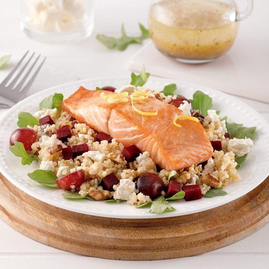 Saumon grillé sur salade de quinoa aux betteraves