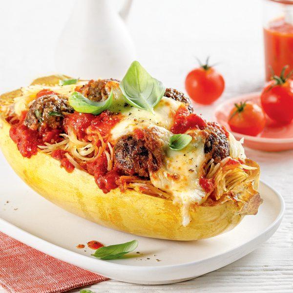 Courge spaghetti gratinée aux boulettes de viande