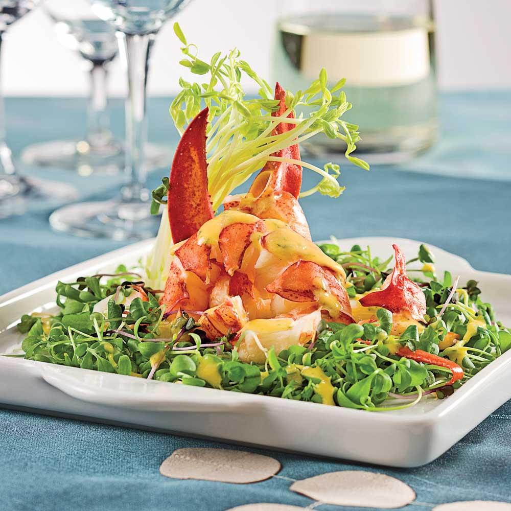Salade de homard, sauce à la mangue