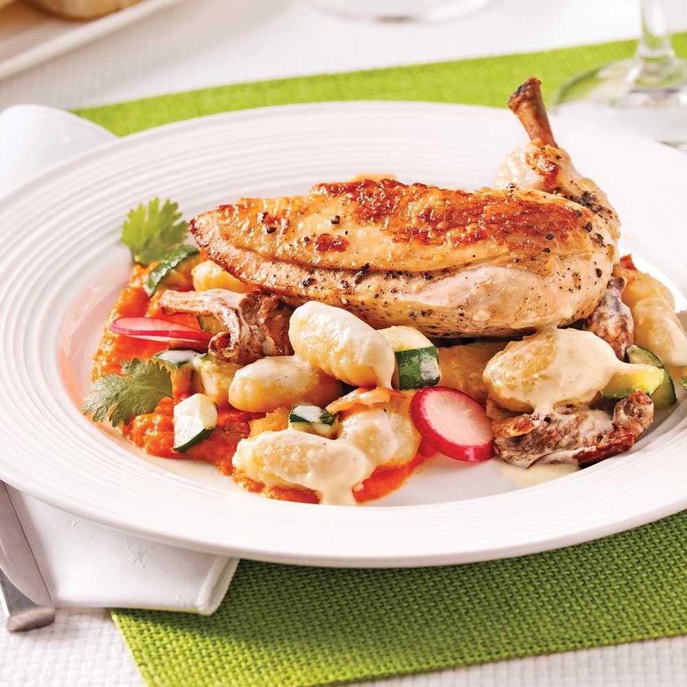 Suprêmes de poulet de Cornouailles, gnocchis aux chanterelles et fromage Le Péribonka