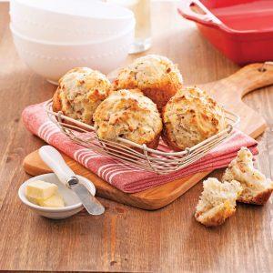 Petits pains au cheddar et bacon