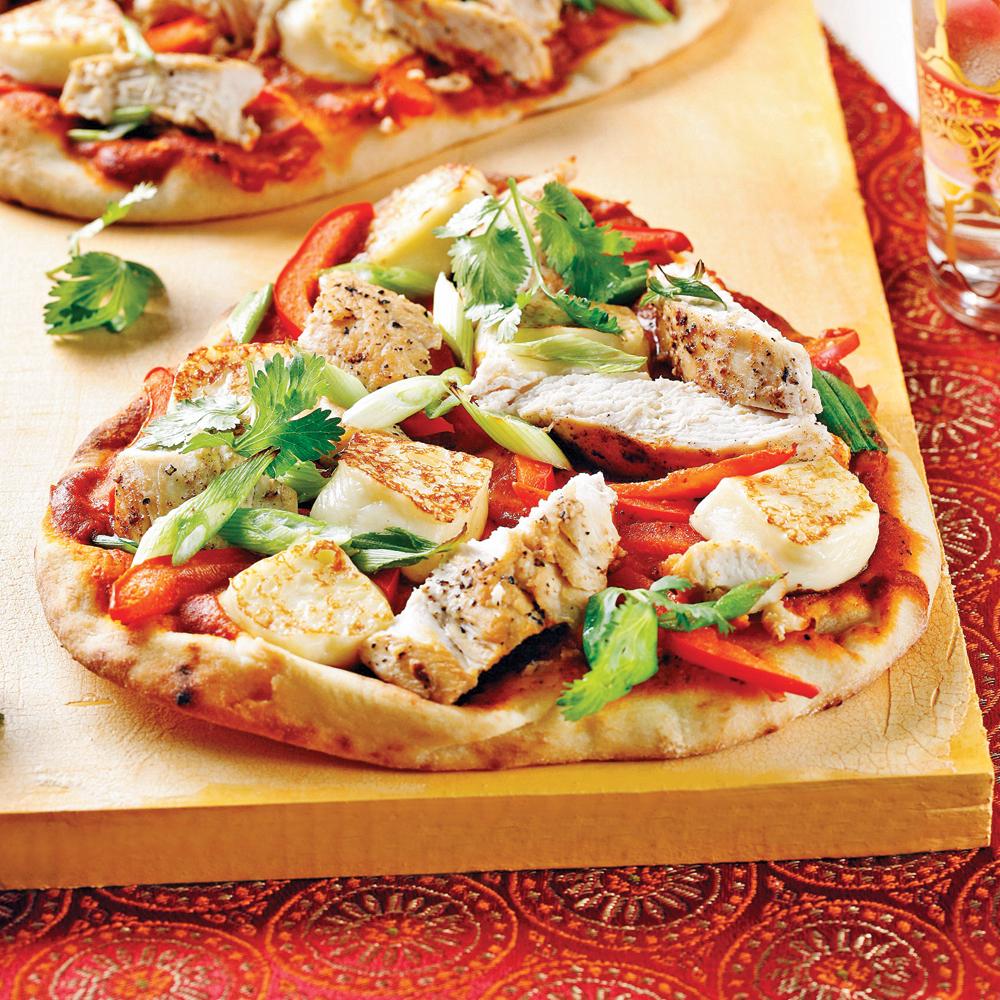 Pizza au poulet sur pain naan