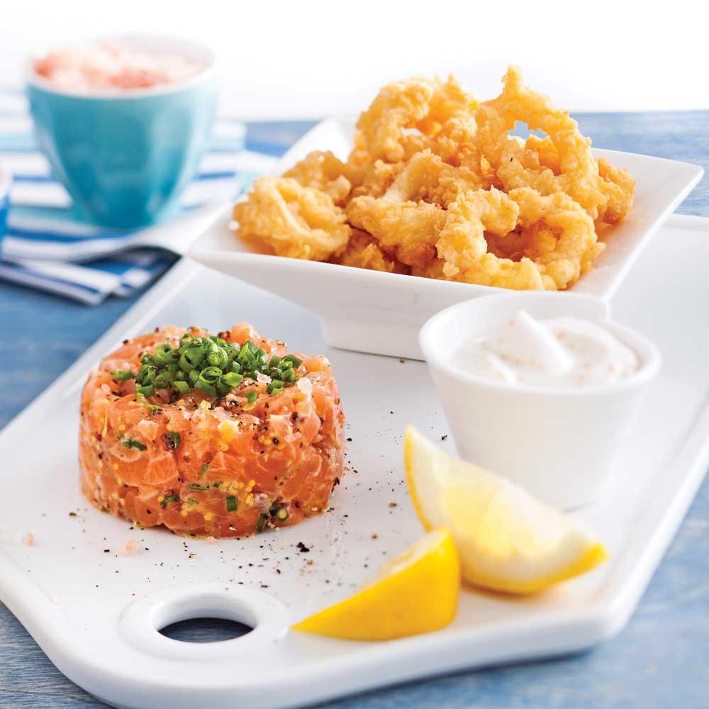 Duo de tartare de saumon et calmars frits