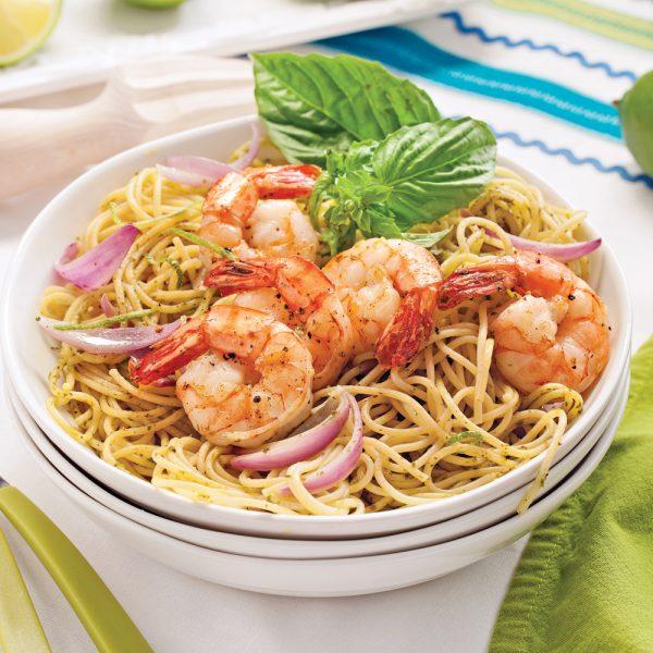 Spaghettis au pesto et crevettes lime-poivre