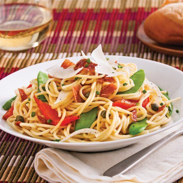 Spaghettis aux légumes al dente et prosciutto croustillant