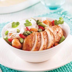 «Sauté» de poulet au four et vermicelles à la coriandre