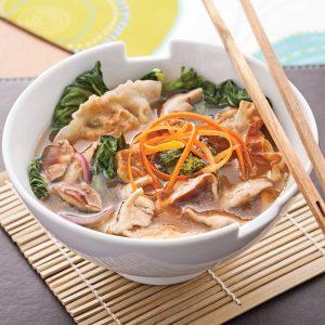 Soupe-repas aux raviolis chinois