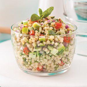 Salade de couscous israélien, pomme et menthe