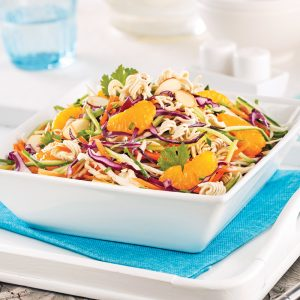 Salade de chou, mandarines et nouilles ramen