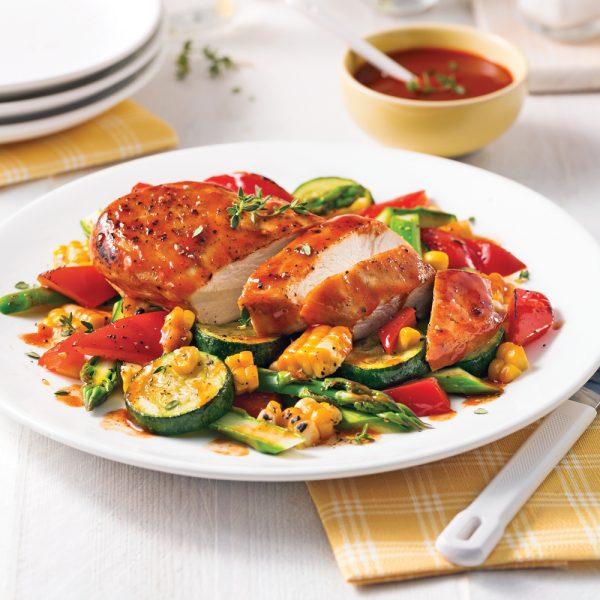 Poulet barbecue et légumes en papillote