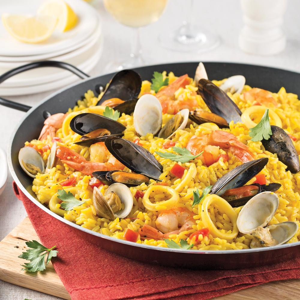 Paëlla traditionnelle aux fruits de mer