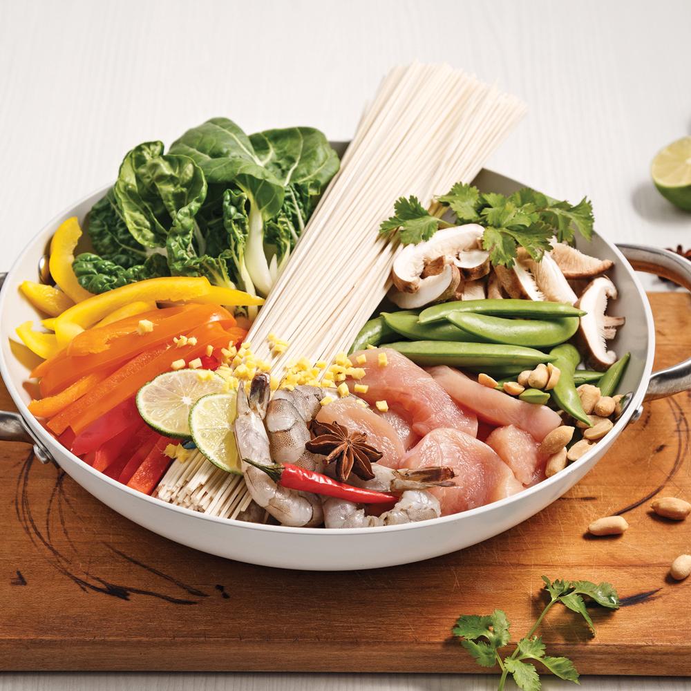 Nouilles aux crevettes et poulet à l'asiatique