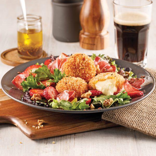 Salade avec mini-fromages croustillants