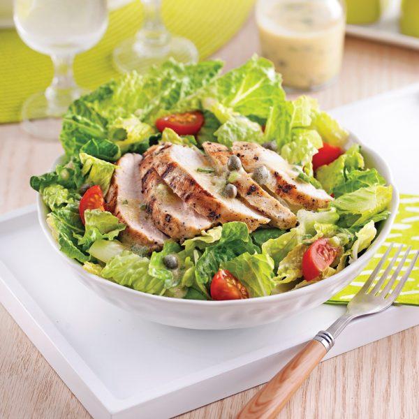 Salade-repas à la poitrine de dindon grillée