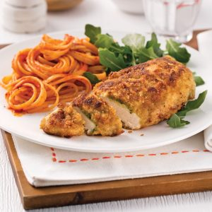 Poulet au yogourt, pesto et parmesan