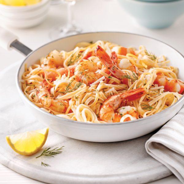 Linguines aux crevettes, sauce beurre à l'ail et vin blanc