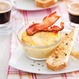 Mini-omelettes crémeuses à la raclette