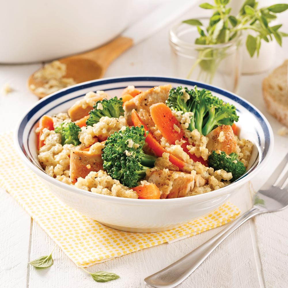 Casserole de quinoa, poulet et brocoli