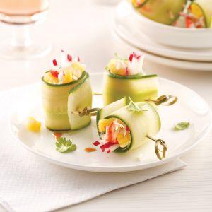 Sushis de concombre au crabe et ananas